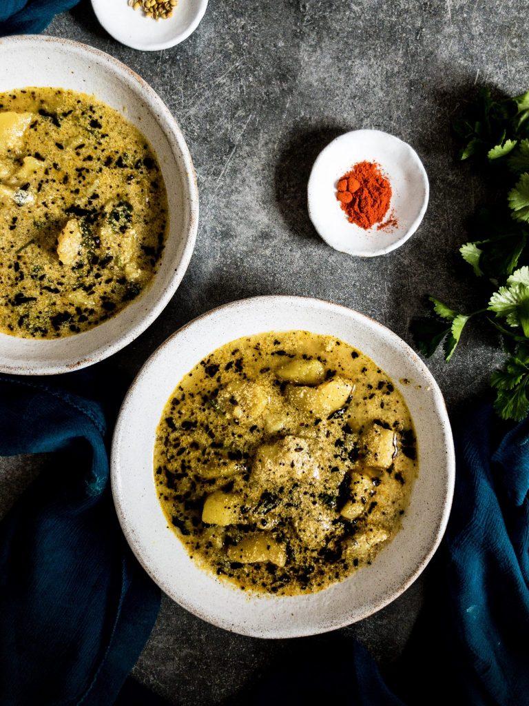 Recipe for making potato curry with yogurt