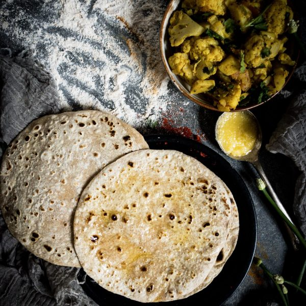 Recipe for chapatis, roti, phulka, flat indian bread
