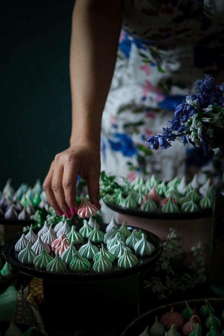 Meringue Kisses & Cookies