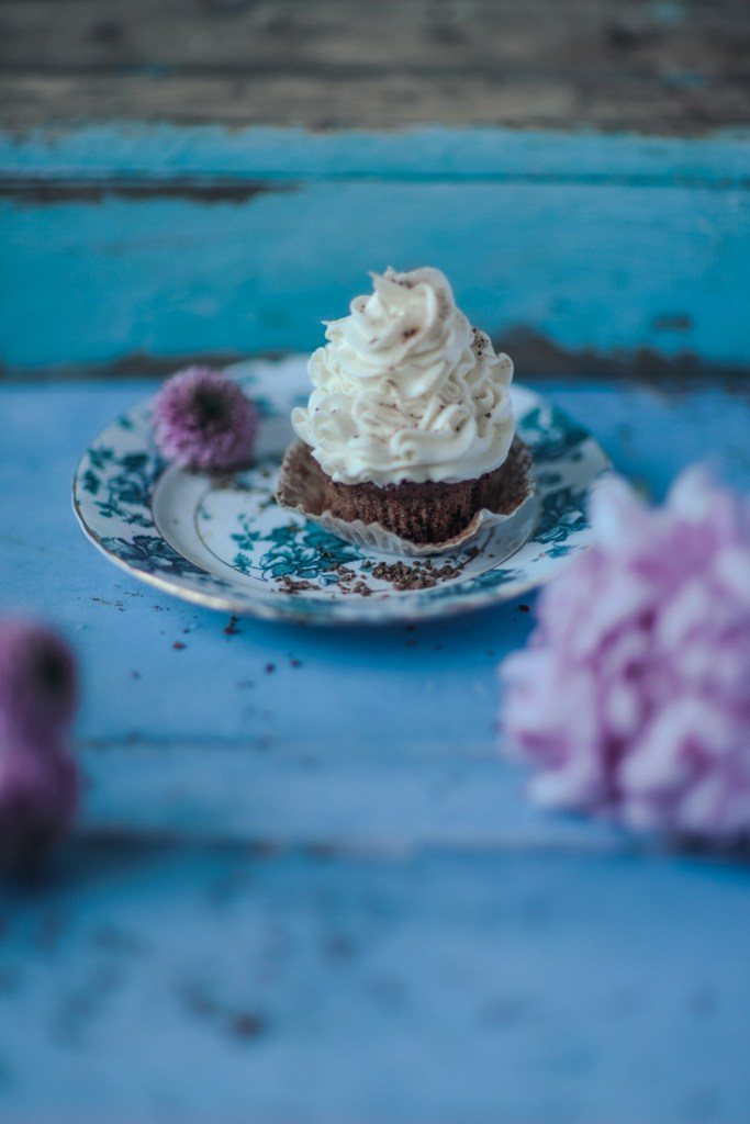 Instant coffee cupcakes with vanilla buttercream